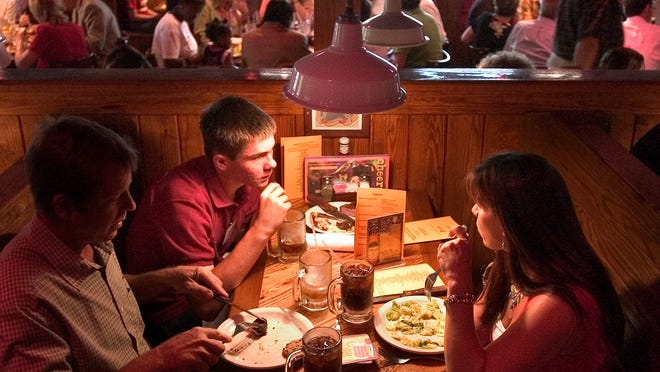 """Outback Steakhouse is giving away free appetizers through Thursday to diners who say """"Tonight Show."""""""