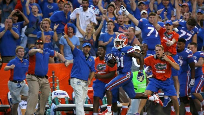 Florida's Antonio Callaway scores the game-winning touchdown in a 28-27 win Saturday over Tennessee in Gainesville, Florida.