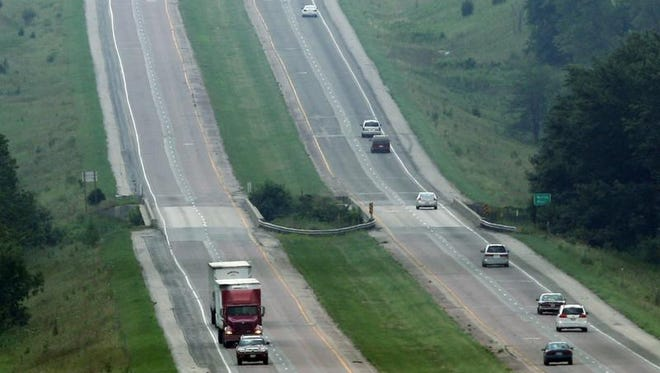 Iowa's deficient roads are costing motorists about $2 billion annually