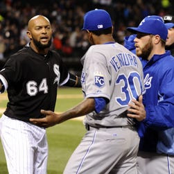 Benches clear between Royals, White Sox