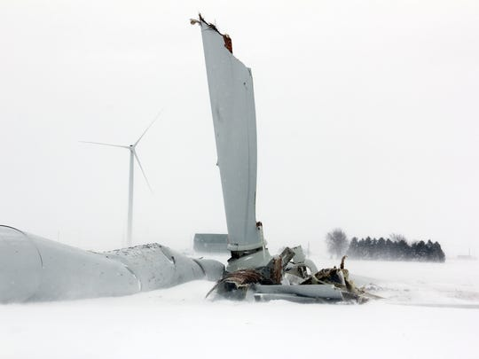 A nearly 400-foot, 485,000-pound wind turbine has fallen down on a farm field at the site of the state???s first utility-scale wind project, Thursday, Feb. 25, 2016, in Oliver Township, Mich. Township Supervisor Larry Krohn said it came down at about 5:20 a.m. in the middle of the field. ???He just heard a noise and it sounded like a tree cracking or something and a little rumble of thunder when it hit the ground,??? Krohn said of the resident???s account of the situation. The fallen turbine is part of Exelon Wind Generation???s 32-turbine Harvest Wind Farm, the first utility-scale wind project built in Michigan. It began operation in 2008. (Seth Stapleton/Huron Daily Tribune via AP)
