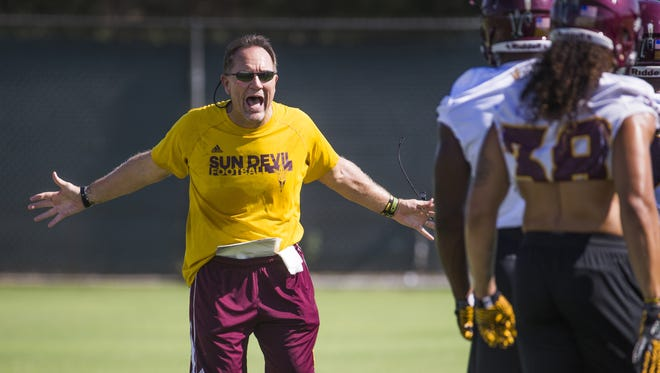 Arizona State defensive coordinator Phil Bennett barks instructions during practice at ASU, Wednesday, July 26, 2017.