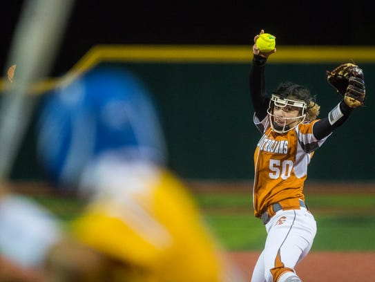 Beeville's Aaliyeh Ruiz pitches to a Moody players