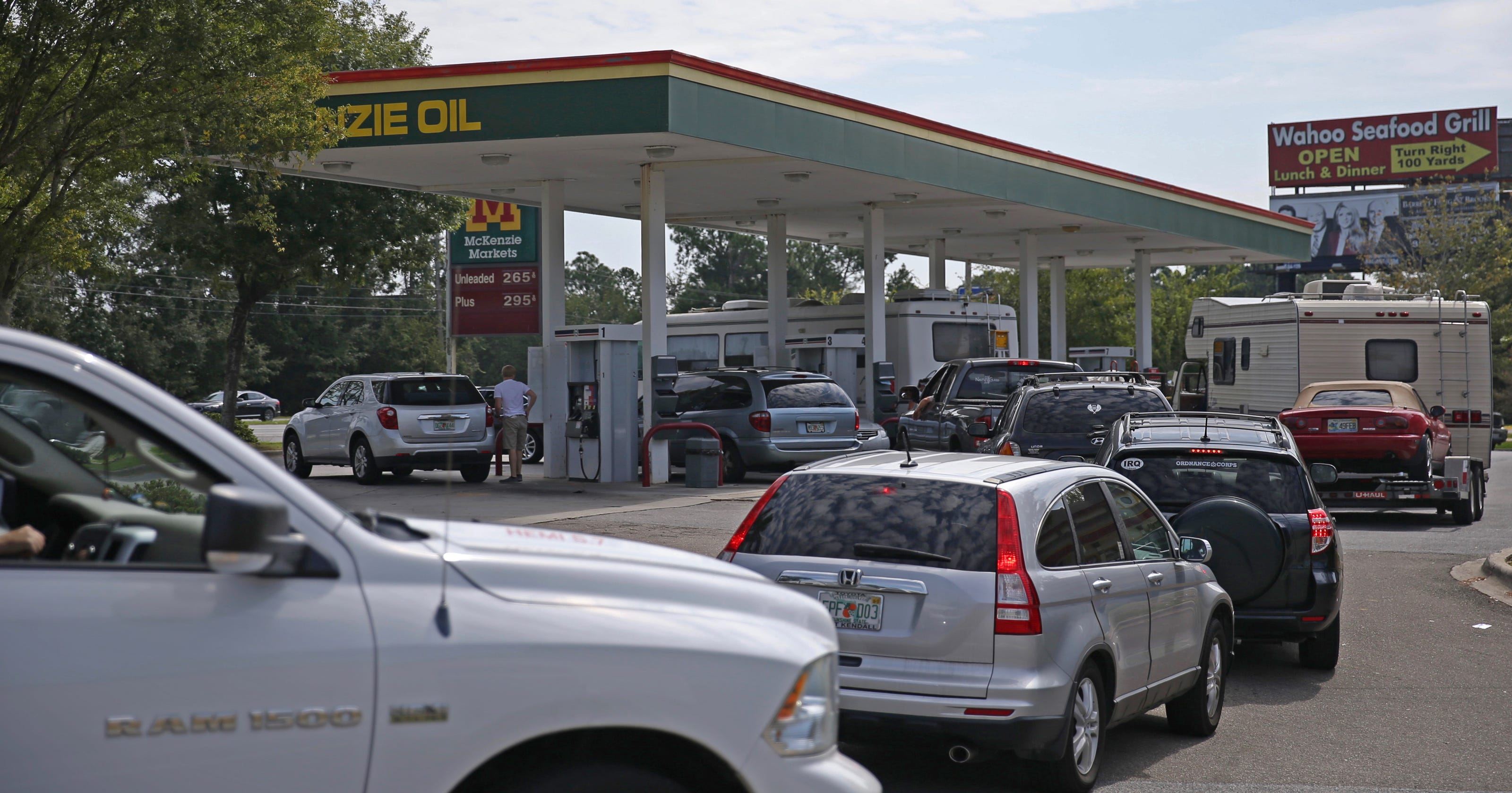 Open Gas Stations Near Me >> Drivers Crowd Tallahassee Gas Stations