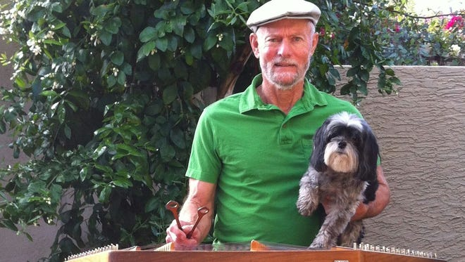 Live music is always a part of Scottsdale's Thursday ArtWalk. This week, Irish dulcimer musicians Jake Jacobs will be accompanied by his dog, Jasper. Also, guitar virtuoso Jack Alves will bring his dog Shatzie.