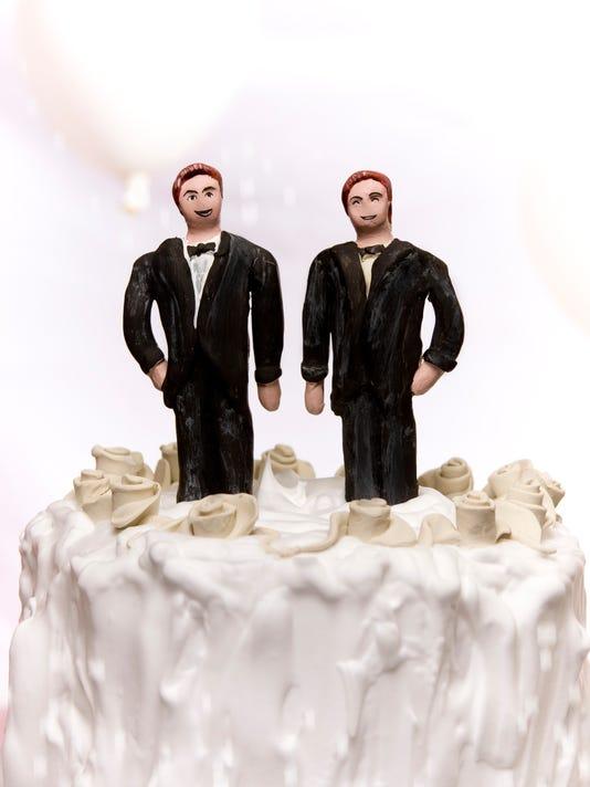 BLOG----gay-wedding-cake.jpg
