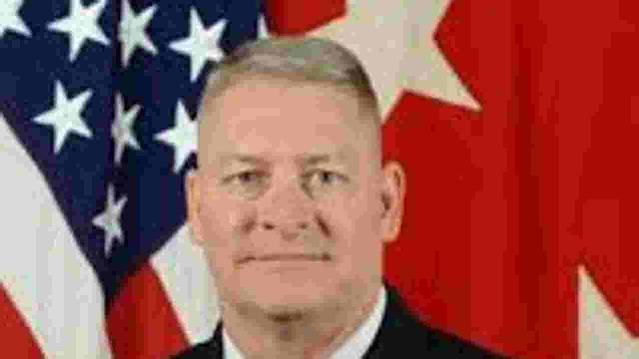 New details show how 'swinger' Army general's double life cost him his  career