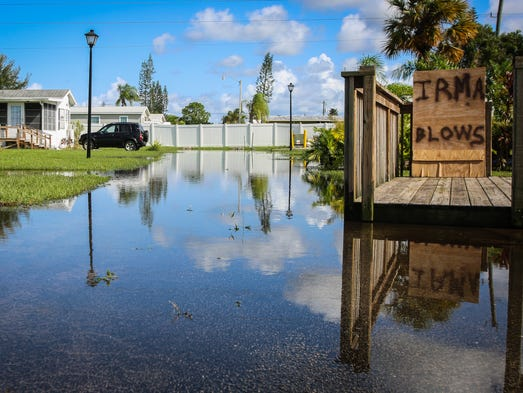 Hurricane Irma 30 People Arrested In Collier On Curfew