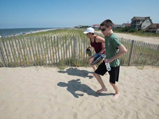 News: Hot Sand