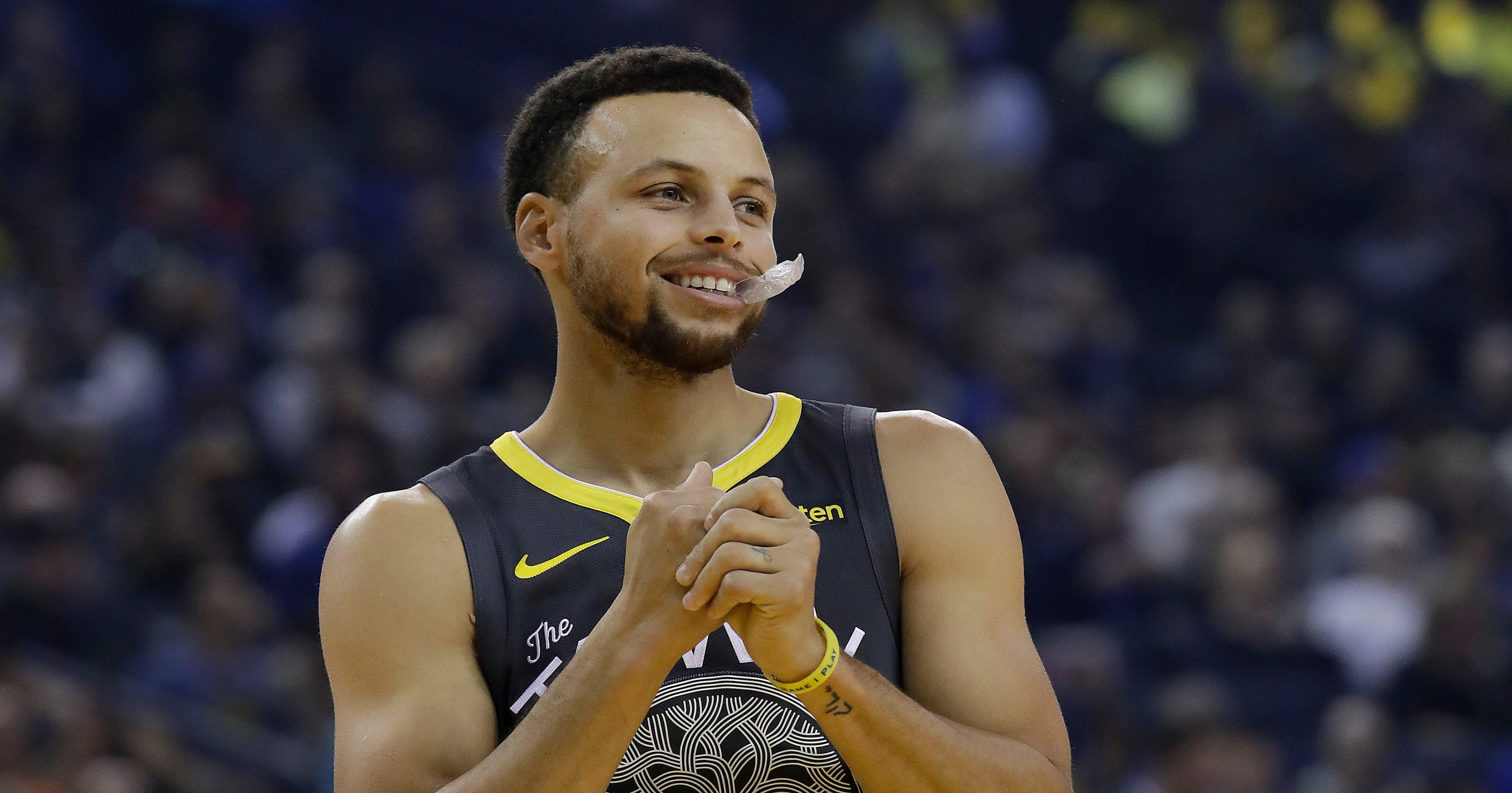 4253912ce349 Stephen Curry  Warriors  star uninjured after being in three-car crash