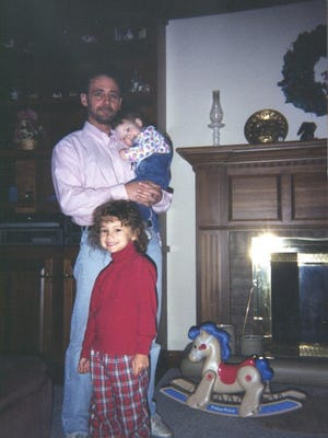 Bailey Loosemore; her father, Allan Loosemore; and her younger sister, Mackenzie Loosemore.