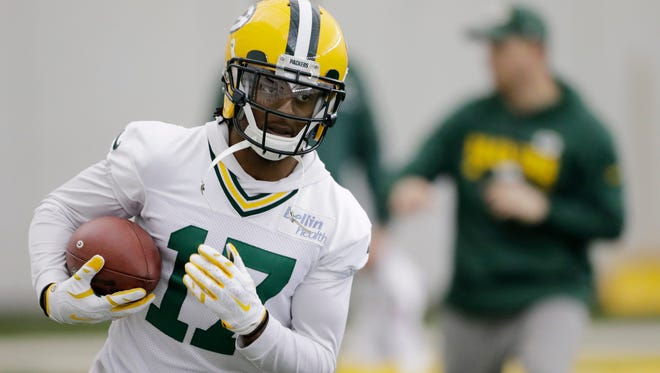 Green Bay Packers wide receiver Davante Adams (17) works on a ball drill during practice at the Don Hutson Center on Wednesday, December 13, 2017 in Ashwaubenon, Wis.Adam Wesley/USA TODAY NETWORK-Wisconsin
