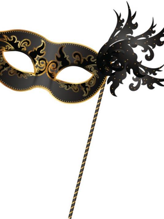 635966738215755009-mask.jpg