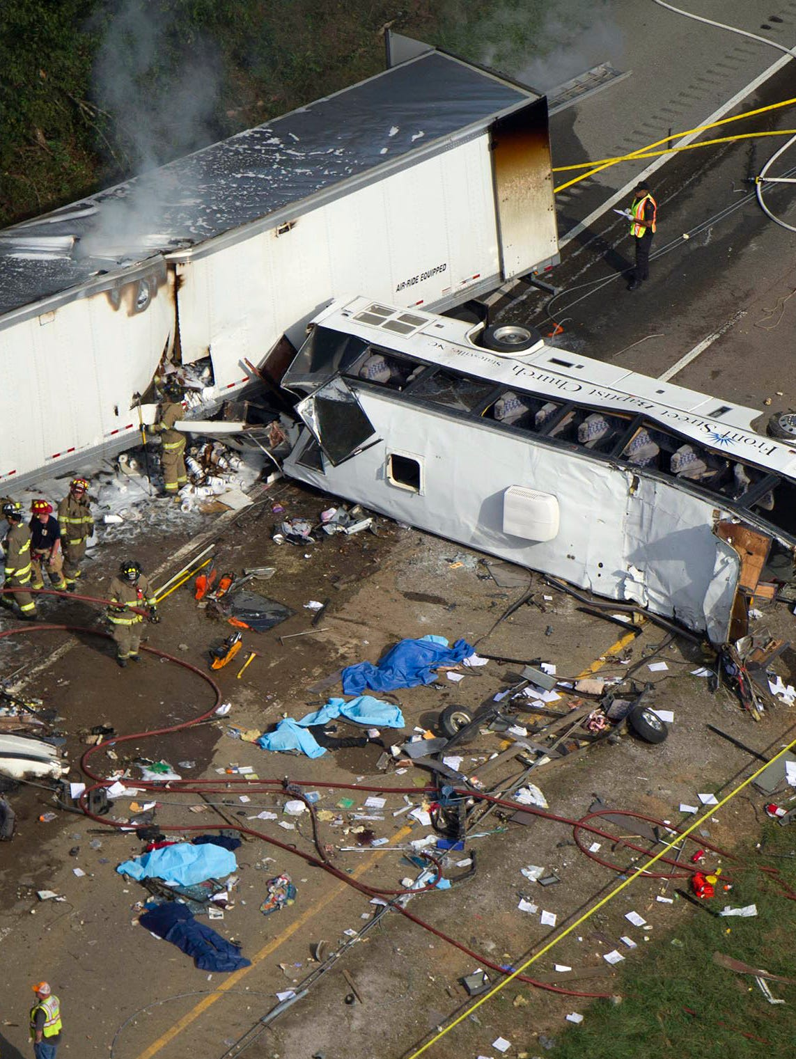 8 Dead In Church Bus Crash On I 40 In Tennessee