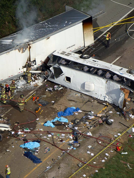 8 dead in church bus crash on I-40 in Tennessee