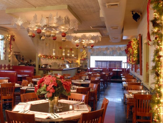 Club Lucky, a classic Italian restaurant in Chicago's