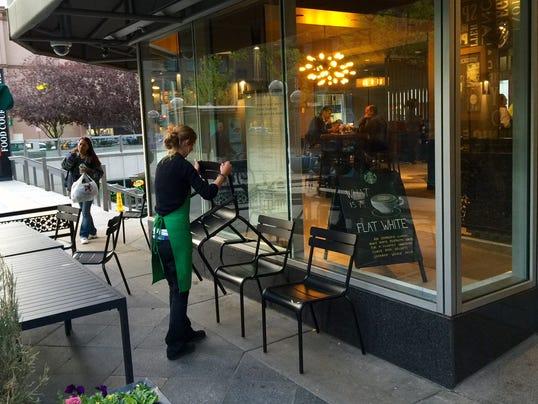 Starbucks_down