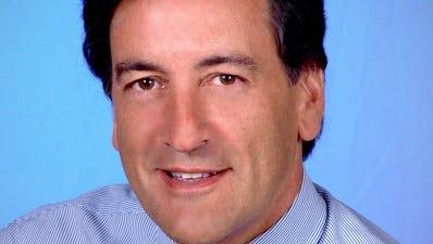Sen. Charles Fuschillo.