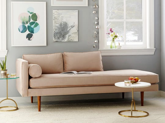 The Monroe Mid-Century Chaise Lounger in dusty blush