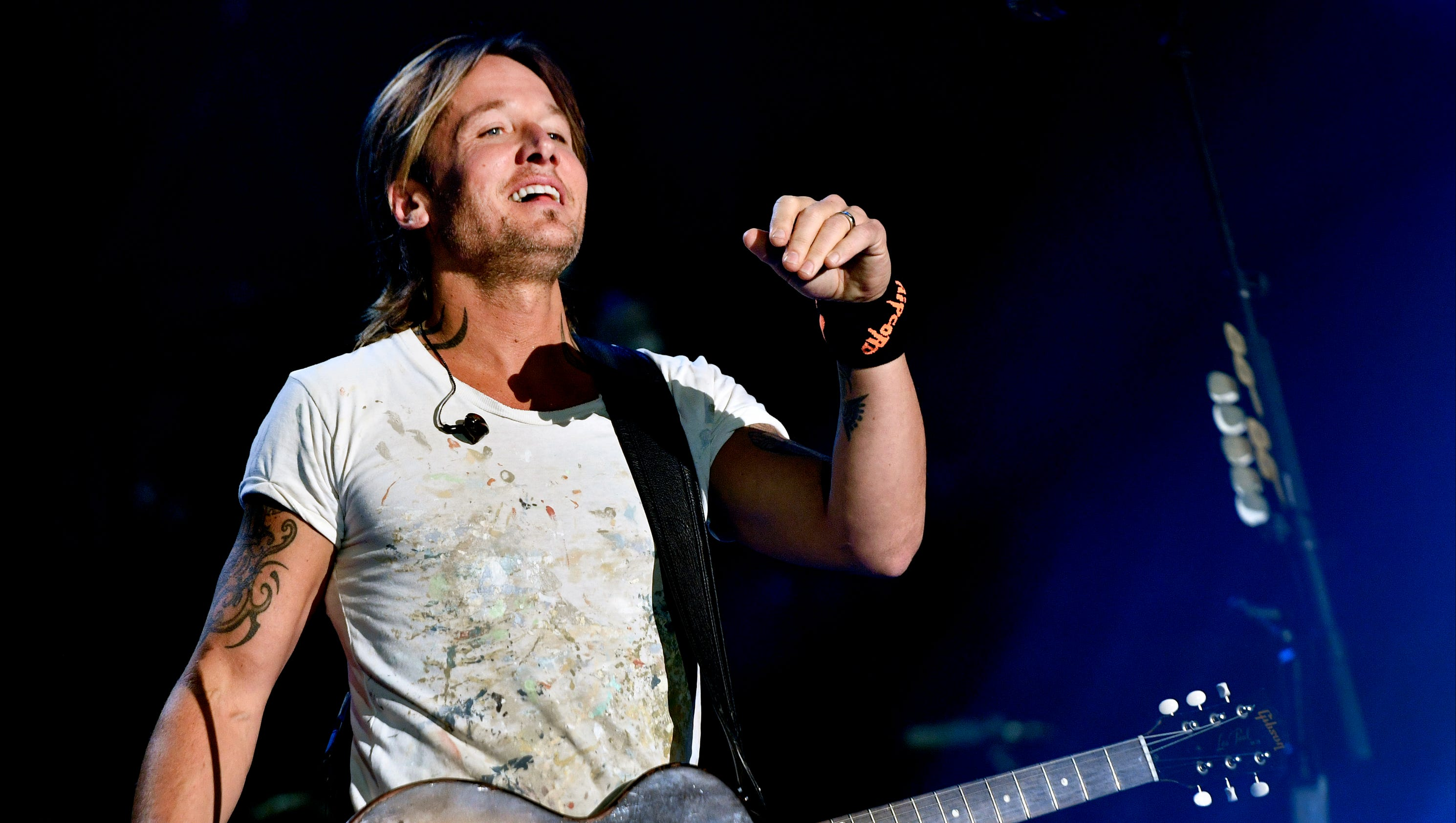 Keith Urban Hops Off Stage Performs From Audience At Cma Fest