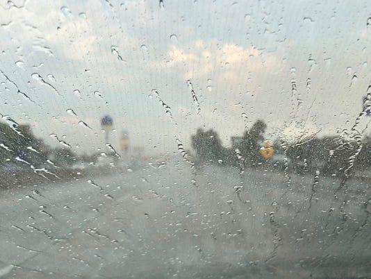 636396954682353473-rain1.jpg