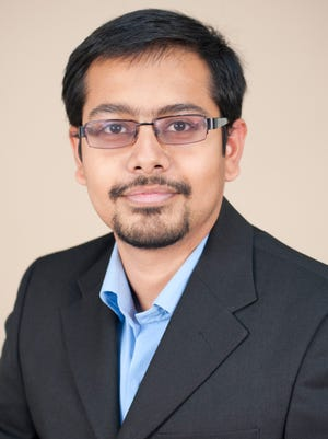 Rutgers Cancer Institute resident research member Subhajyoti De, Ph.D.
