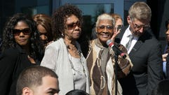 Cissy Houston, Dion Warwick. The Grammy Museum Experience