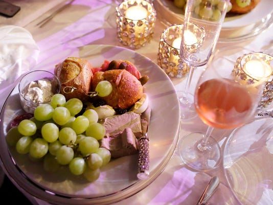 Dinner_In_White__datkinso@thenorthwestern.com_6.jpg