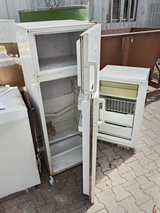old fridge 471663379.jpg