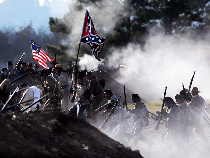 Confederate troops storm the Union blockade during
