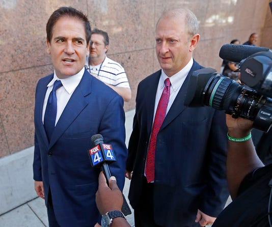 Mark Cuban takes stand in insider-trading trial