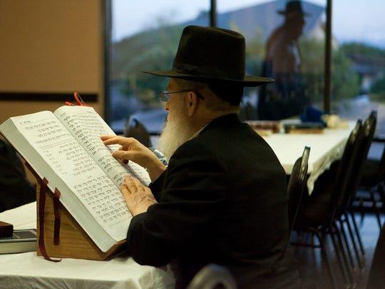 Alan Reaburn reads through the Hebrew Scripture at