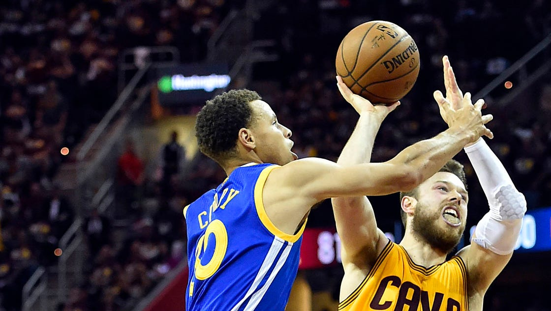 Matthew Dellavedova helps Cavaliers edge Warriors for 2-1 Finals lead