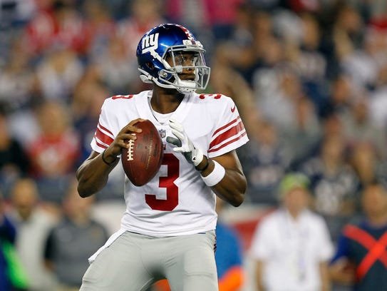 New York Giants quarterback Geno Smith (3) drops back