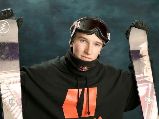2013-10-7-torin-yater-wallace-skier