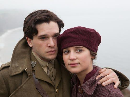 Vera Brittain (Alicia Vikander) and Roland Leighton