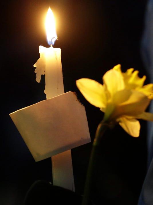 CandleForObits3.jpg