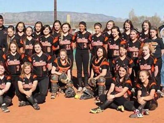 -tigers-capitan-girls-varsity-softball-spring-15-16.jpg