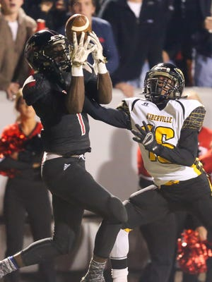 Brandon's Schdarren Archie (1) is the leader of what is, perhaps, the best secondary in the state.