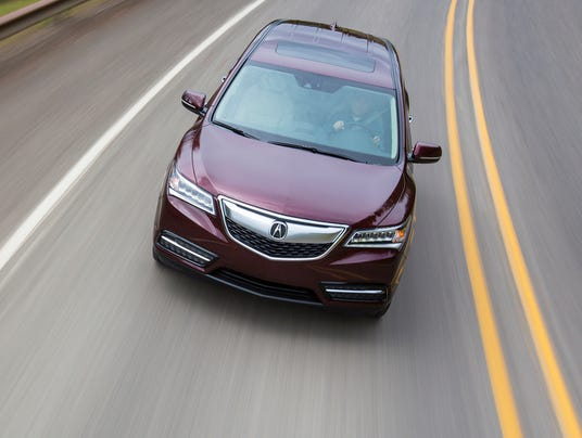 2014 Acura MDX center of lane