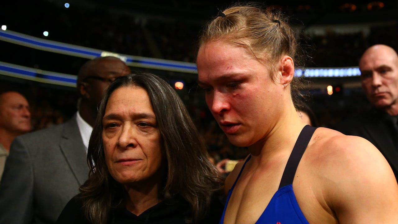 Comparing and contrasting Rousey, McGregor losses