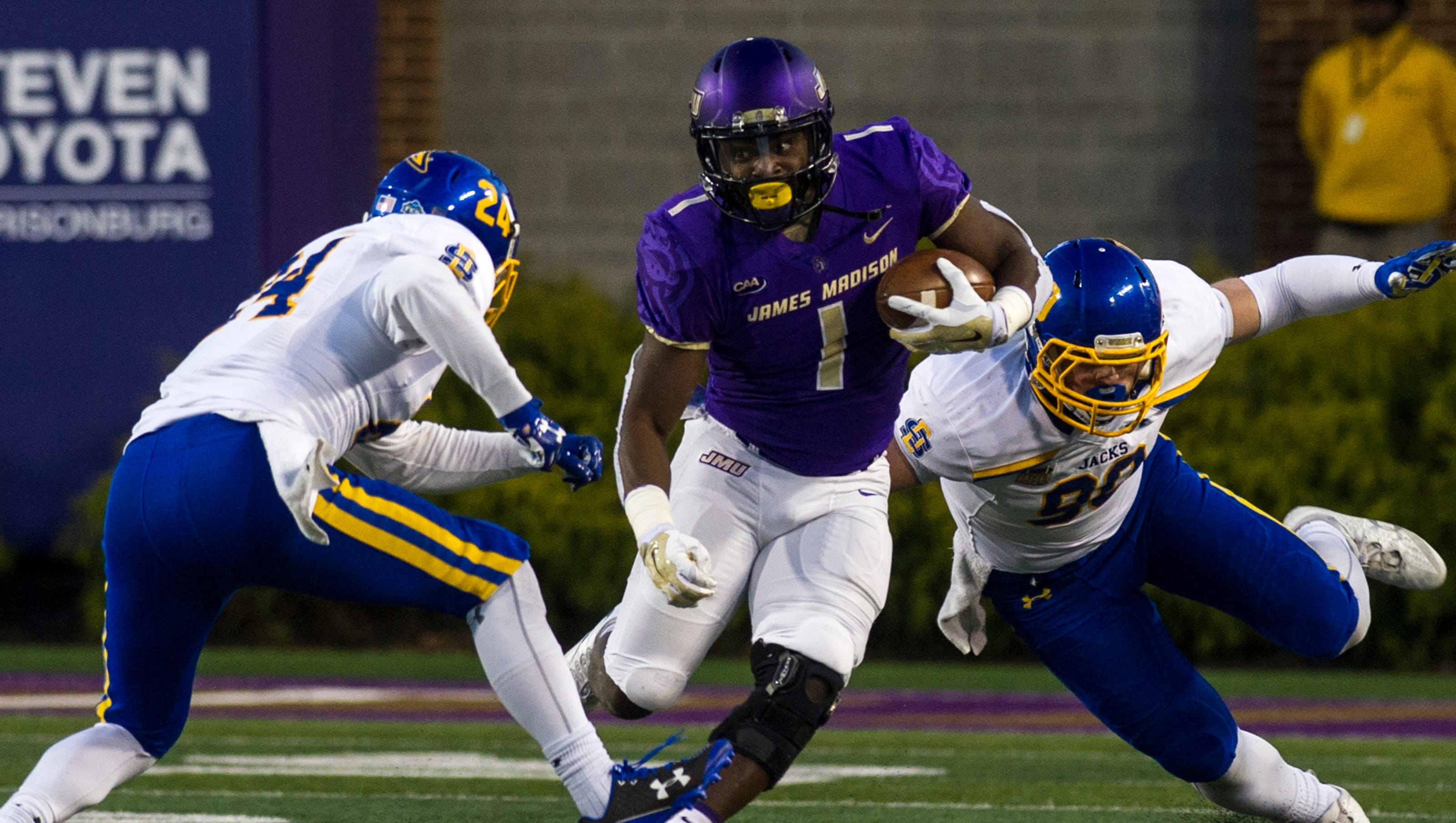 James Madison Defeats South Dakota State 51 16 In Fcs Semifinals