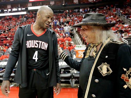 Rockets_Tucker's_Style_Basketball_44827.jpg