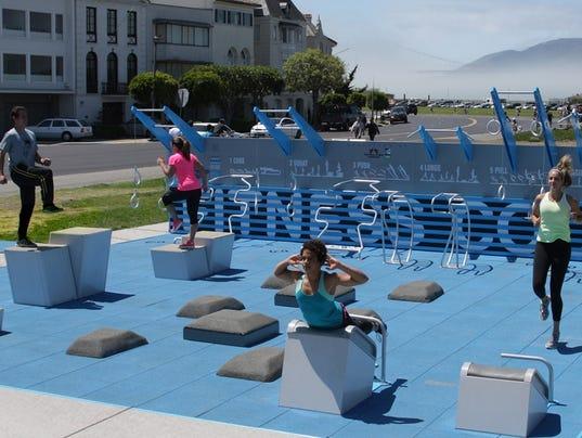 Outdoor fitness court