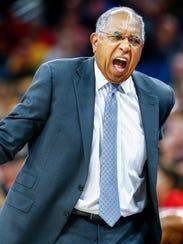 Memphis head coach during second action against Cincinnati