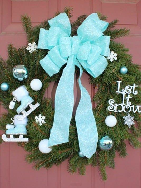 636477440777362248-wreath.jpg