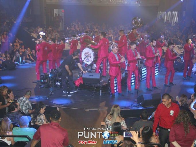 Concierto de La Arrolladora Banda El Limón en el Celebrity