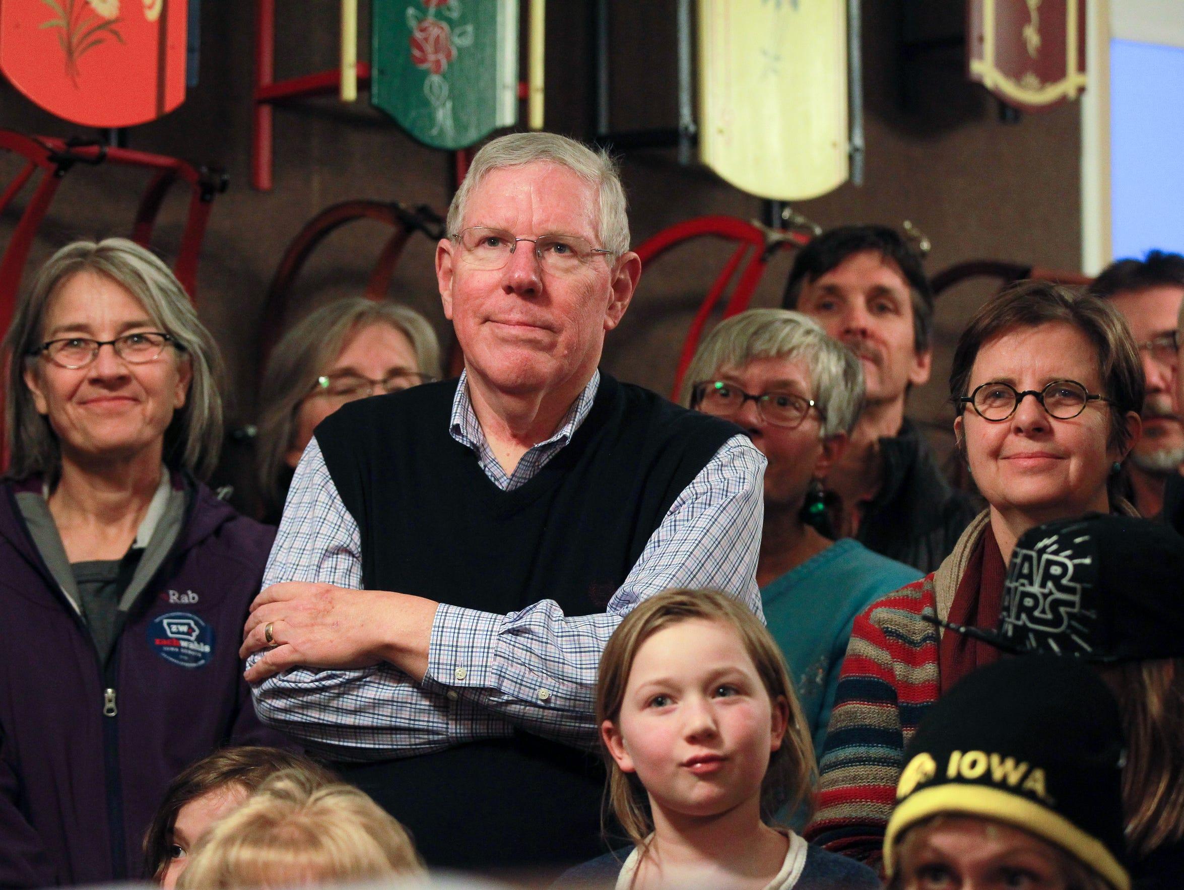 Iowa Sen. Bob Dvorsky (D-Coralville) listens to Zach