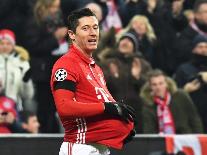 Bayern Munich's Robert Lewandowski celebrates after