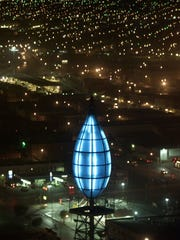 This is how the blue flame appeared in 1999 atop the 18-story Blue Flame building.